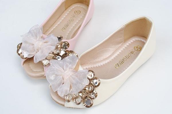 مدل کفش بچگانه دخترانه شیک، به دنبال جدیدترینها باشید!